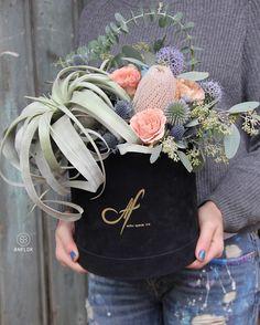 Le bouquet dans sa boîte ouverte  📷 Crédit photo instagram @Anflorby