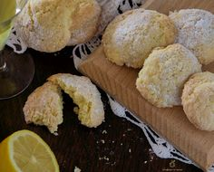 Biscotti di pasta frolla al limoncello