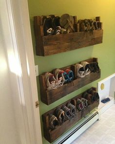 Pallet Shoe Rack for a narrow hallway, great for stopping mud on the walls too