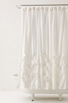perfect shower curtain for a girly bathroom...