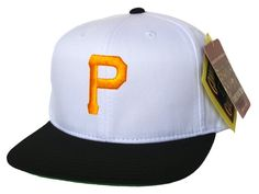 ae603159c35 PITTSBURGH PIRATES Retro Old School Snapback Hat - MLB Cap - 2 Tone  White Black  Amazon.co.uk  Sports   Outdoors