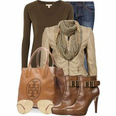 Outfit vaquero con aire capitalino.