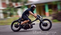 A wild Honda Astrea.build in a friends garage. the best recipe for a cool bike.from Purwokerto, Indonesia. Small Motorcycles, Honda Motorcycles, Custom Motorcycles, Custom Bikes, Honda Cub, Motorcycle Types, Motorcycle Bike, Ducati, Fast Go Karts