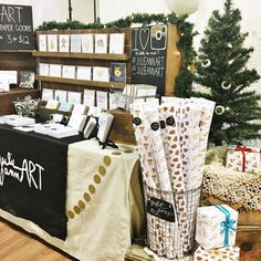 Craft Show Display Craft Show Booths, Craft Booth Displays, Craft Show Ideas, Display Ideas, Booth Ideas, Display Design, Booth Design, Bullet Journal Cover Ideas, Craft Stalls