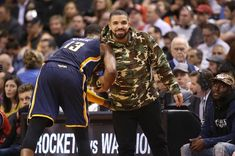 Drake & Tory Lanez Spotted Playing Basketball In Miami Watch Drake & Tory Lanez hoop it up together at the Miami Heat facilities Friday.https://www.hotnewhiphop.com/drake-and-tory-lanez-spotted-playing-bas... http://drwong.live/article/drake-and-tory-lanez-spotted-playing-basketball-in-miami-news-40638-html/