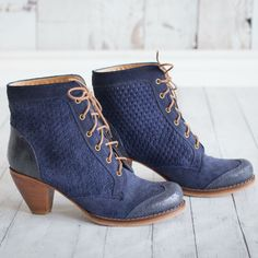 Blue Boots Leather Mid-Heel. Perfect for all your outfits! #froufroushoes  Visit us online www.froufroushoes.com and shop with worldwide shipping