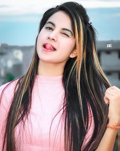 Beautiful Girl In India, Beautiful Blonde Girl, Beautiful Girl Photo, Cute Girl Photo, Cute Girl Poses, Girl Photo Poses, Stylish Girls Photos, Stylish Girl Pic, Beauty Full Girl