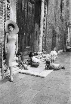 Tina Louise Venice 1958  Photo: Georges Menager