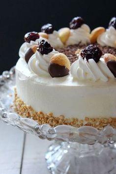 Torta Malakoff, la torta del mistero. Di lei in rete non si trova nulla di preciso, l'unica certezza è che oltre ad essere molto bella è infinitamente buona