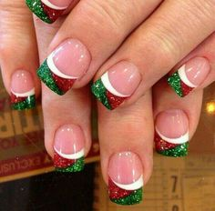 Xmas manicure idea - Red/Green/White Glitter
