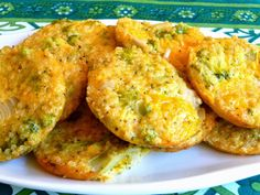 SPLENDID LOW-CARBING BY JENNIFER ELOFF: BROCCOLI CHEDDAR QUINOA ROUNDS - Delicious way to serve broccoli - love the texture.  Quinoa is not a grain. Visit us for more super recipes at: https://www.facebook.com/LowCarbingAmongFriends AND https://www.facebook.com/LowCarbHitParade