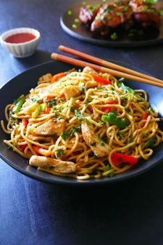 This easy Instant Pot Thai Peanut noodles dish is a healthy onepot recipe The recipe calls for regular pasta which is cooked together with a homemade Thai peanut sauce wi. Pressure Cooker Recipes, Pressure Cooking, Thai Peanut Noodles, Thai Noodles, Tasty Thai, Best Instant Pot Recipe, Chow Mein, Noodle Recipes, One Pot Meals