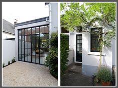(1) Ondergrond tuin (grint), (2) stalen pui met deuren in uitbouw vanaf buiten gezien