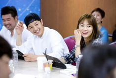 Song Joong Ki and Song Hye Gyo pair up for the first script reading for Descendants of the Sun