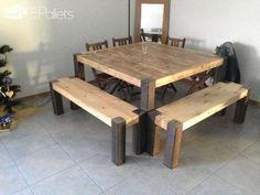 Table mstaggered, tinted and oiled. Legs custom-made metal. Two benches orecovered fir beam from a demolition site with the same foot at the table. Besides buying the metal in a recovery of materials and small equipment and products, the cost…