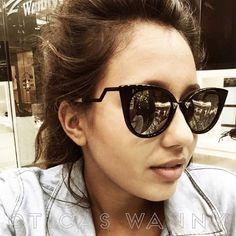 #selfie da Lorena escolhendo seus óculos nas Óticas Wanny do Shopping ABC. Adoramos!! #diadafotografia #fotoparawanny #oticaswanny #compreonline #compreoseu #original #fendi #oculos #gatinho #espelhado