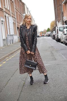 Fashion Blogs, Html, Sequin Skirt, Sequins, My Style, Skirts, Outfits, Fall Winter Fashion, Style Ideas