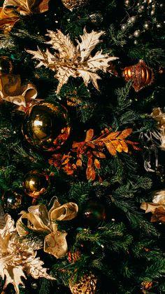 Download wallpaper 1440x2560 christmas, christmas tree, christmas toys, new year qhd samsung galaxy s6, s7, edge, note, lg g4 hd background