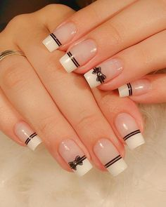 No one will reject acrylic nails, because their elegant and perfect nail shape can make fingers look slender and very easy to show personal charm. And if you like simple and stylish design, check out these 48 simple acrylic nails, you will love it. Elegant Nail Designs, Simple Nail Art Designs, Elegant Nails, Acrylic Nail Designs, Simple Acrylic Nails, Best Acrylic Nails, Easy Nail Art, Simple Nails, Chic Nails