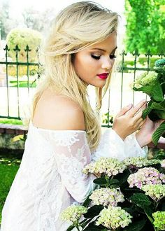New photoshoot of Olivia Holt