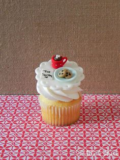 Fondant Santa Cookies cupcake topper   Made by me!