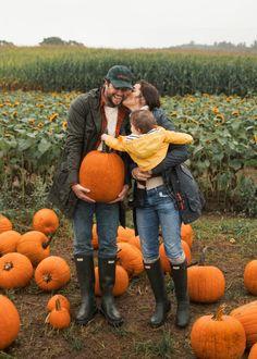 The Great Pumpkin Hunters - Classy Girls Wear Pearls love these babes. Pumpkin Family, Pumpkin Farm, Baby In Pumpkin, Pumpkin Patch Kids, Pumpkin Patches, Pumpkin Bread, Pumpkin Spice, Fall Family Pictures, Fall Photos