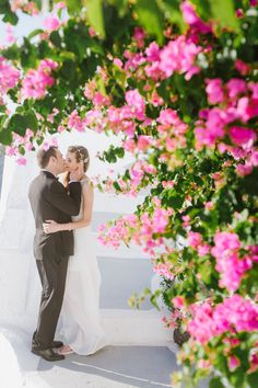Buganvilia flowers Santorini. #photoshoot #thira #santorini #photohraphersantorini  #vacation #holiday #romatic #santoriniblog #tipssantorini