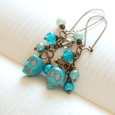 skull earrings - tq magnesite skull beads, glass pearls, glass beads, earwires, headpins and jumprings