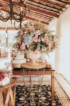 Flower Decorations, Wedding Decorations, Table Decorations, Wedding Ideas, Fairy Tales, Wedding Flowers, Make Off, Furniture, Sim