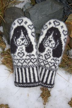Cocker Spaniel Mittens Ravelry: Cocker Spaniel Mittens pattern by Connie H Design Record of Knitting Yarn spinning, weaving and stitching jobs . Knitted Mittens Pattern, Fair Isle Knitting Patterns, Crochet Mittens, Knitting Blogs, Fingerless Mittens, Knitting Charts, Knitted Gloves, Knitted Shawls, Knitting Stitches