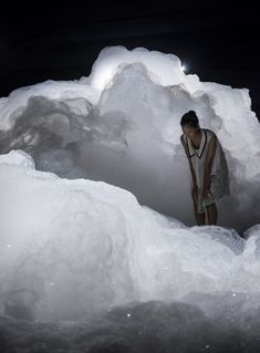 Japanese artist Kohei Nawa filled a dark room with billowing clouds of foam for this art exhibition in Aichi, Japan. Kohei Nawa used a mixture of detergent, glycerin and water to create the bubbly forms of his installation, entitled Foam.