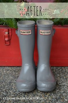 SPRAY PAINTED HUNTER BOOTS  by athomeinthenorthwestblog.com  Using Rustoleum Painters Touch 2X UltraCover Paint & Primer also binds to plastic