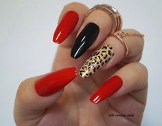 Kylie Jenner - Red Coffin Nails Animal Print Stiletto nails Fake nails Kylie jenner Black nails Press on nails Acrylic nails Glue on nails Nails Matte Nails, Pink Nails, Red Acrylic Nails, Nails Yellow, Long Stiletto Nails, Long Oval Nails, Red Nail Art, Red Art, Leopard Nails