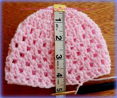 Layla-Lu Beanie As promised, here is the pattern for the last beanie I made for my Mandela 67 project. Pattern info: U.Preemie to 24 months sizes // sunshine and a sewing basket: Layla-Lu beanieength minus ½ N Crochet Baby Cap, Crochet Preemie Hats, Crochet Baby Hat Patterns, Crochet Beanie Pattern, Baby Hats Knitting, Crochet Baby Clothes, Double Crochet, Single Crochet, Couture