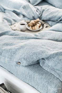 What better way to enjoy those slow, sun-drenched moments than rolling in fresh and crisp bed linens? Discover our bed linens collection in Blue Melange >>⠀ Blue Duvet, Blue Bedding, Linen Bedding, Linen Pillows, Best Duvet Covers, Luxury Duvet Covers, Toddler Girl Bedding Sets, Bed Linen Design, Best Bedding Sets