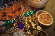 #weed #womenstoners #girlstoners #smokers #indica #sativa Urban Electric, Smokers, Weed, Beaded Bracelets, Jewelry, Jewlery, Jewerly, Pearl Bracelets, Schmuck