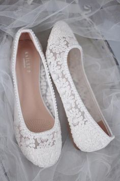 WHITE LACE round toe flats with mini PEARLS – Women Wedding Shoes, Bridesmaid Shoes, Bridal Shoes - star. Wedding Shoes Bride, Wedding Boots, Wedding White, Perfect Wedding, White Flat Wedding Shoes, Vintage Wedding Shoes, Flat Prom Shoes, Boho Wedding, Cinderella Wedding Shoes