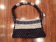 Boiled wool purse-navy