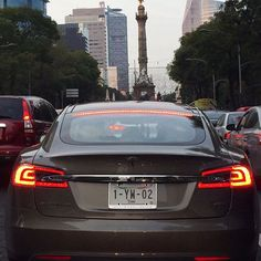 El angel de Independencia appreciates a zero emissions addition to Mexico City's morning traffic #Tesla #Mexico #cars #electric #vehicle #tagforlikes #driver #L4L