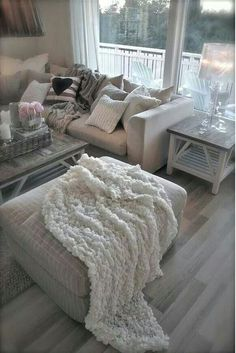 Grey/White Wash | Soft White Throws