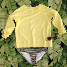 Summer Ready in our Daria Distressed Sweatshirt / www.shopsincerelyjules.com