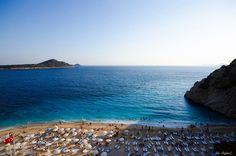 土耳其南部地中海安塔利亞的卡普塔須海灘Antalya/Kaputaş Plaji。 ©Özgün Çizer