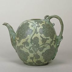 Celadon with Reversed Inlaid A Boy and Baoxiang-hua Design | Goryeo Dynasty Mid-12th Century h.19.0cm | Gift of SUMITOMO Group|The Museum of Oriental Ceramics,Osaka