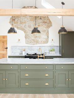 Kitchen Room Design, Home Decor Kitchen, Interior Design Kitchen, New Kitchen, Home Kitchens, Dark Kitchens, Modern Country Kitchens, Green Kitchen Cabinets, Kitchen Cabinet Colors
