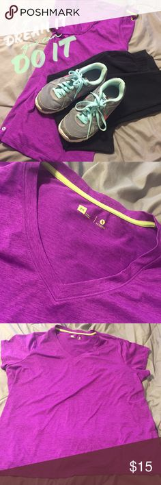 Xersion Active V Neck Short Sleeve Top 2x Xersion activewear top.  Worn once. 2X Xersion Tops