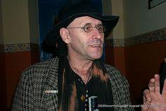 Silvino Pais da Silva, in zijn bar