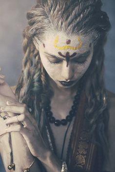 This would be more priestess than warrior but still cool Danza Tribal, Beltane, Lord Shiva, Shiva Tandav, Shiva Statue, War Paint, Warrior Princess, Post Apocalyptic, Larp