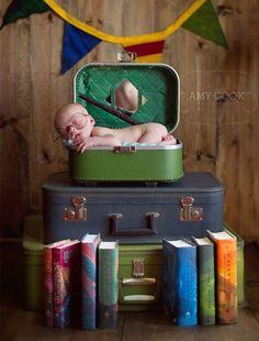 Photos Of Adorable Newborn Geeks Foto Newborn, Newborn Baby Photos, Newborn Shoot, Newborn Baby Photography, Newborn Pictures, Baby Pictures, Baby Harry Potter, Geeks, Foto Baby