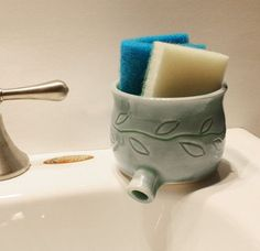 Sink Pot for draining scrubbies Celadon Green w by monikaspottery - I like the idea Ceramics Projects, Clay Projects, Clay Crafts, Projects To Try, Ceramic Pottery, Ceramic Art, Cerámica Ideas, Sculptures Céramiques, Ideias Diy
