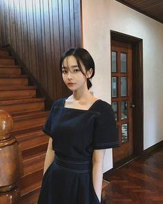 Ulzzang Short Hair, Korean Short Hair, Korean Girl, Asian Girl, Hair Cutting Videos, Uzzlang Girl, Foto Instagram, Aesthetic Hair, Cute Casual Outfits